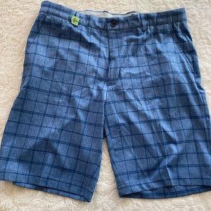 Greg Norman Men's Shorts. Size 36